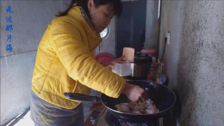 特色美食香菇冬笋焖鸡翅的做法视频 今日冬至做到特色美食犒劳一下自己