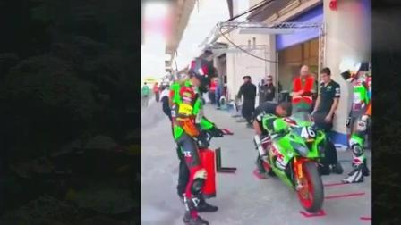 你知道重型摩托车比赛中换轮胎要多少时间吗?