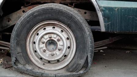 为什么汽车轮胎都是黑色的?