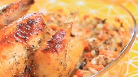 """圣诞烤鸡新做法""""烤鸡包饭""""外皮金黄焦脆, 绝对让食客大呼过瘾! 你学会了吗?"""