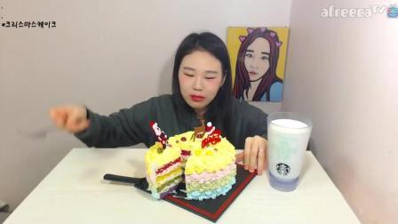 韩国吃播: 大胃王卡妹吃圣诞彩虹蛋糕, 这么大口真怕你噎着