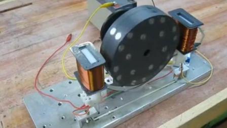 磁铁和铜丝做成的永动机, 可以专门用来发电!