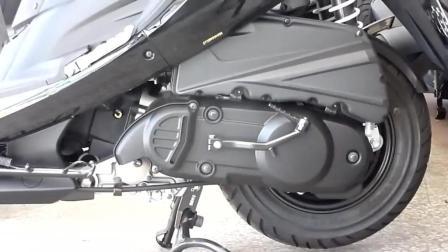 打火棍启动踏板摩托车, 这技术没几个人能做到