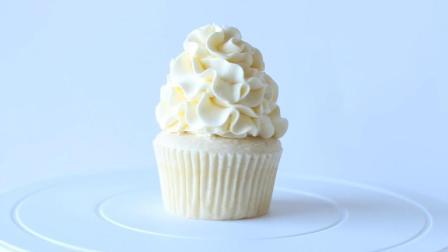 超简单的白雪巧克力杯子蛋糕
