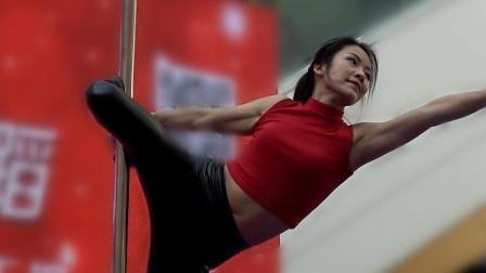 可爱时尚钢管舞运动力与技巧结合之美--男博万视