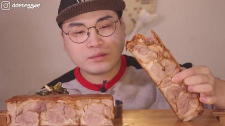 韩国大胃王胖哥吃2大块纯猪蹄肉冻, 肉质Q弹有嚼劲, 越嚼越香