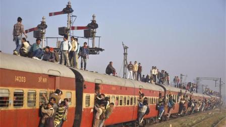 """印度打造太阳能火车, 网友: 以后再也不能开""""挂""""!"""