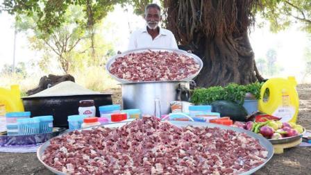 印度大爷真豪, 一大盆羊肉50斤大米, 解决了街头上百的挨饿老少
