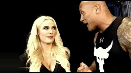 WWE第一美少妇, 被岩石强森强吻, 她旁边的男友却敢怒不敢言