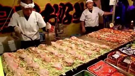 一次制作40份大阪烧 用料十足且料理手法敏捷 日本街头美食
