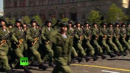 苏维埃进行曲配上俄罗斯阅兵