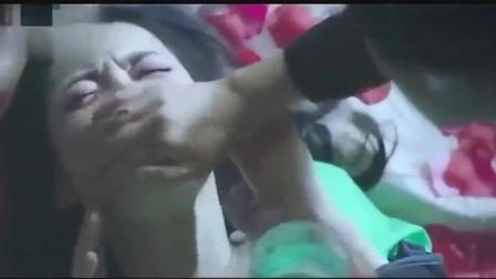 美女被绑住四肢, 强行灌下药物, 反抗也只是徒劳只能绝望痛哭!