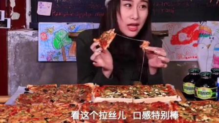 大胃王瓷七狂吃一桌披萨, 大口咬下停不下来, 太好吃了!