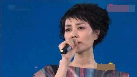 王菲当年演唱的这一首金曲, 至今没人比她唱得好听!