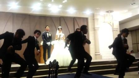 新郎动如脱兔, 静如处子, 新娘措手不及, 婚礼现