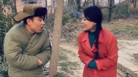 搞笑视频: 女汉子和老公玩成语接龙, 太逗了!