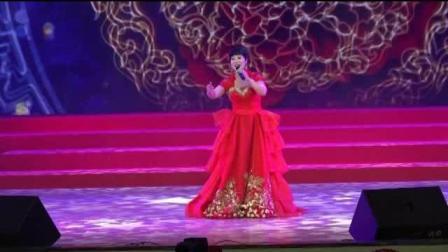 女高音歌唱家李雪梅在平谷2018新年音乐会上演唱