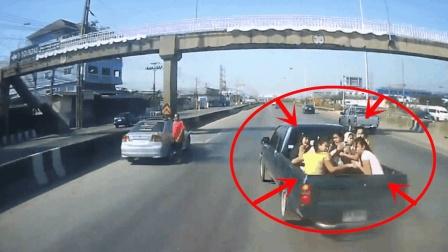 8名女子坐皮卡车回家, 记录仪拍下她们绝望的5秒!