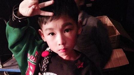 卓歌歌语言表演2017年12月30浙音总决赛现场《逗猴》: 儿童成长2018跨年视频