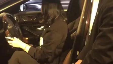 女土豪: 这辆奔驰S级怎么连座椅调节都没有, 我最多只出五万
