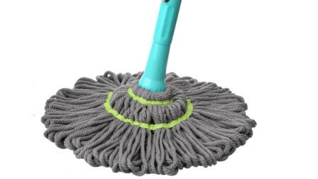 拖把涮不干净拖的地面很脏怎么办? 家政阿姨这个妙招真好用!