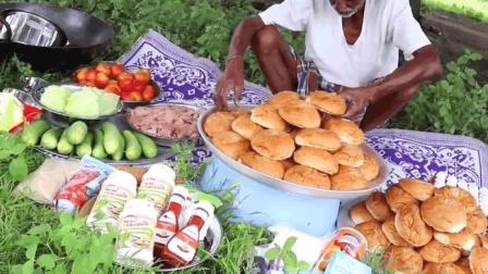 印度老大爷, 看看他如何做鸡肉汉堡, 送给孤儿院的孩子们吃