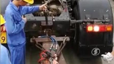 卡车的这倒车技术让人佩服, 一对一的必须要准确, 零失误