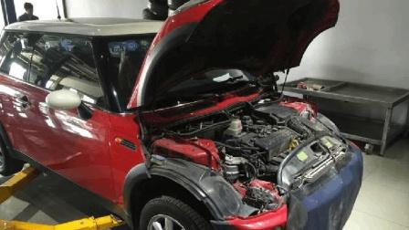 女司机的mini噪音大, 汽修厂让清积碳, 汽车专家: 又在坑你血汗钱!