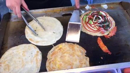 实拍台湾著名小吃《手抓饼》香味扑鼻, 食客们喜欢吃原来是这样