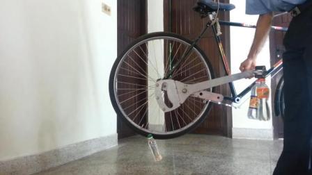 60大爷发明无链条自行车, 不用油不用电, 效率提升3倍
