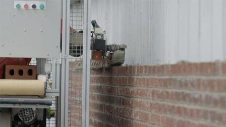这个机器人砌墙速度是人工的6倍, 以后搬砖的饭碗都丢了...