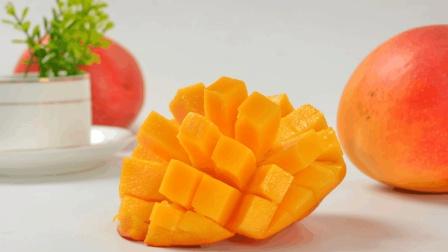 正确切芒果的方法你知道吗? 快来试试。