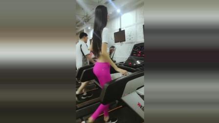 健身房遇见的九头身空姐, 这一双美腿绝对是极品