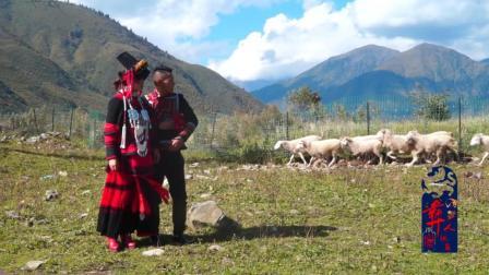 彝人视角婚礼实拍青山绿水好有意境的村庄还有让人羡慕的彝族情侣在幽会