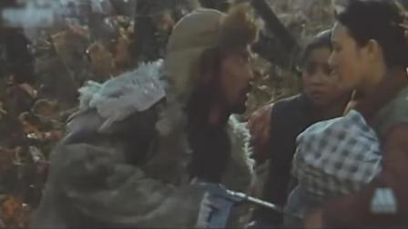 电影《八女投江》中,抗联战士王皮袄为掩护女儿突围而牺牲