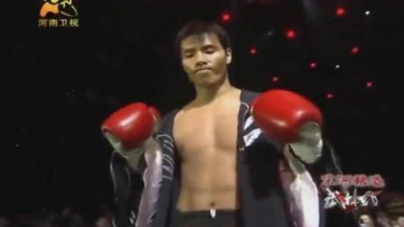 中华小伙一记重拳ko日本拳手, 对手飞出边绳生死不明!