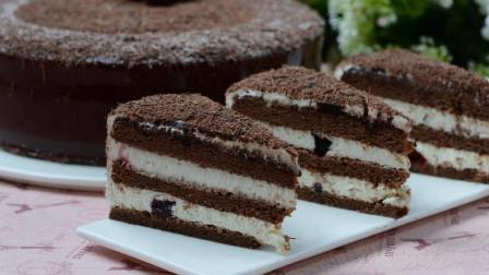 椰子做的慕斯蛋糕, 一口咬下去, 像是吃掉了整个夏天