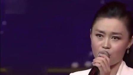 赵本山最爱的女徒弟, 亲如亲生女, 34岁就开劳斯拉斯, 原来是她! 太性感了!