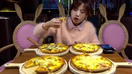 大胃王密子君吃4个牛肉披萨+3个巧克力蛋糕+海鲜炒面