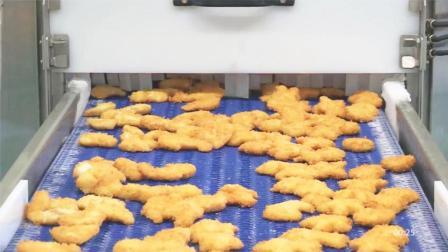 鳕鱼、海虾、鱿鱼混合海鲜鱼糜, 流水线裹面包粉炸出黄金鱼排!