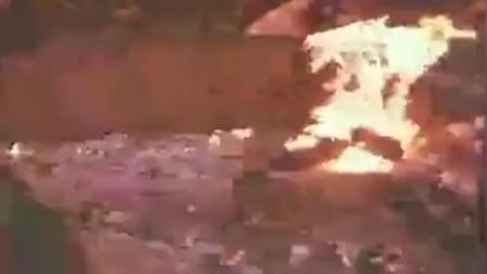 《激战无名川》敌袭过后一片狼藉,志愿军同志抢救废墟