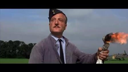 正准备给飞机加油, 对面就来了大批敌军轰炸机, 把基地尽数摧毁