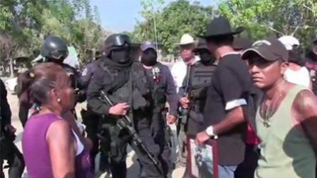 封面资讯 2018 1月 墨西哥警民发生激烈枪战 致11人丧生
