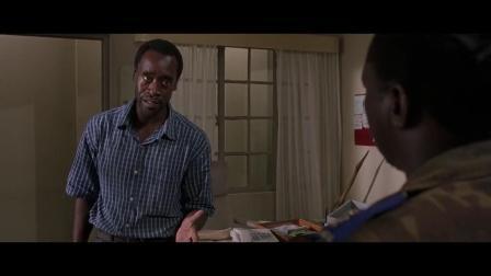 《卢旺达饭店》只服这胆识,饭店经理一席话便把这位军官镇住了