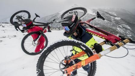 《Trail Hunter》用一辆Demo征服一座雪山是怎么样一种体验