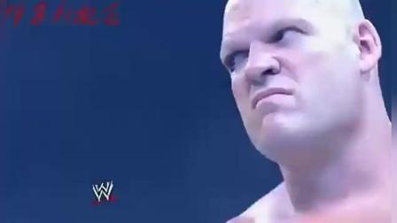 WWE: 冠军凯恩从容面对送葬者, 一上台也是望而生畏, 气场很足!
