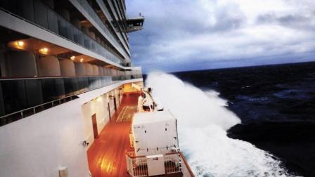新年伊始 一艘从巴拿马驶出的游轮在海上经历了三天的暴风雪