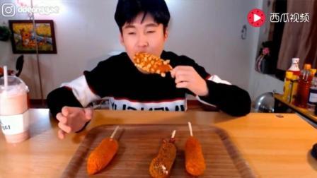 韩国大胃王: 豪放派吃播donkey哥哥喝浓郁芝士奶盖茶和炸热狗面包