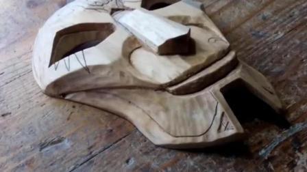 老木匠纯手工雕刻外星面具, 看这手艺就知道很厉害, 20万都请不来