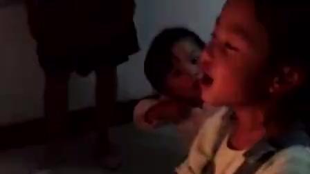 萌宝为妈妈唱生日歌, 太可爱了